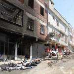 Ein Straßenzug in Farqîn nach einem Angriff von Sicherheitskräften der Türkei
