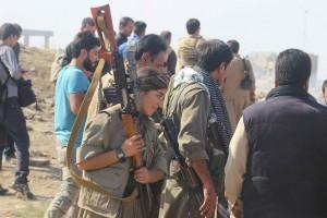 Peşmerge und Kämpfer von HPG und YJA Star verteidigten gemeinsam die Stadt Kerkûk