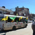 Männer, Frauen und Jugendliche des Kantons Cizîrê auf dem Weg nach Qereçox