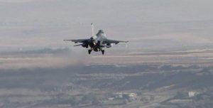 Türkische Luftwaffe fliegt Angriffe in Südkurdistan
